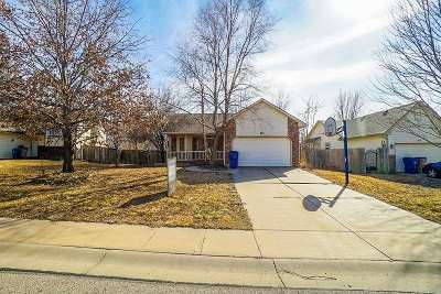 Derby Single Family Home For Sale: 233 W Tall Tree Rd