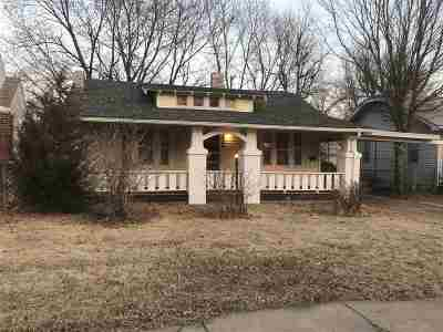 Wichita Single Family Home For Sale: 704 S Madison Ave