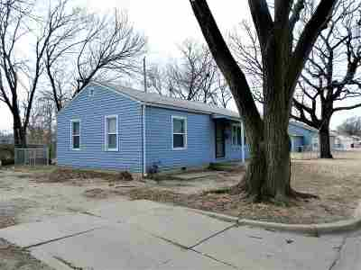 Wichita Single Family Home For Sale: 2517 E 12th St N