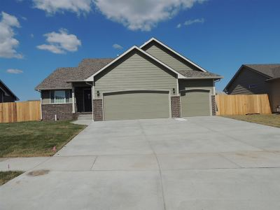 Maize Single Family Home For Sale: 624 S Horseshoe Bend St