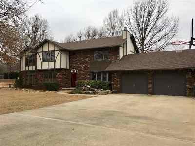 Arkansas City KS Single Family Home For Sale: $275,000