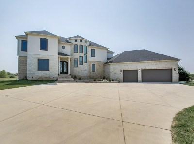 Wichita Single Family Home For Sale: 1818 N Burning Tree Cir