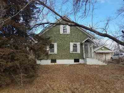 McPherson KS Single Family Home For Sale: $50,400