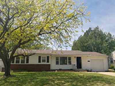 Wellington Single Family Home For Sale: 606 Morningside Dr