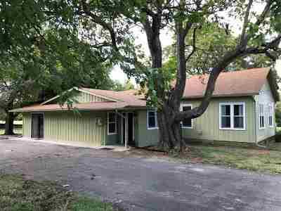 Arkansas City KS Single Family Home For Sale: $85,000