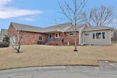Newton Single Family Home For Sale: 7 Kansas Ct
