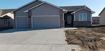 Maize Single Family Home For Sale: 516 S Horseshoe Bend