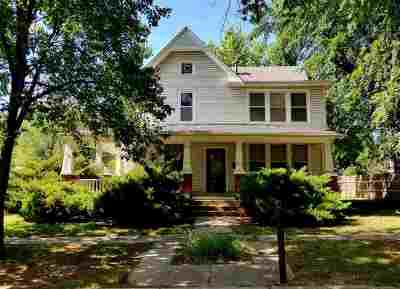 Winfield Single Family Home For Sale: 1002 E 7th
