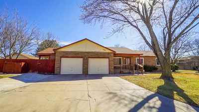 Andover Single Family Home For Sale: 407 W 1st St