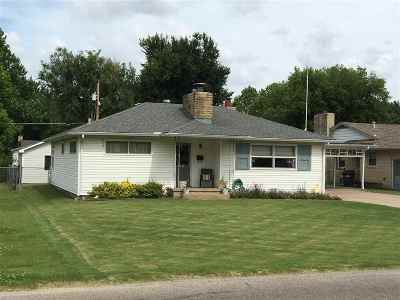 Arkansas City Single Family Home For Sale: 1208 N A