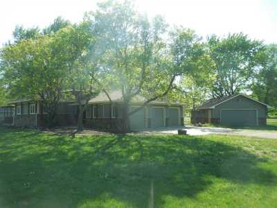 Andover Single Family Home For Sale: 1501 S Phyllis Ln
