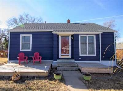 Newton Single Family Home For Sale: 721 SE 5th St