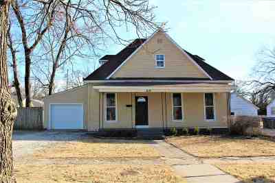 Newton Single Family Home For Sale: 619 E 8th St