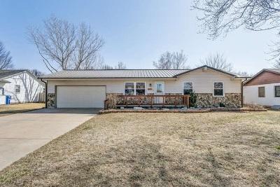 Douglass Single Family Home For Sale: 821 E 2nd