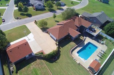 Wellington Single Family Home For Sale: 1705 W Edgewood Dr