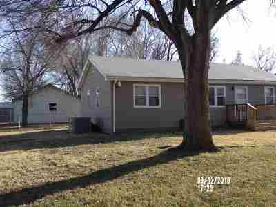 Single Family Home For Sale: 311 E First