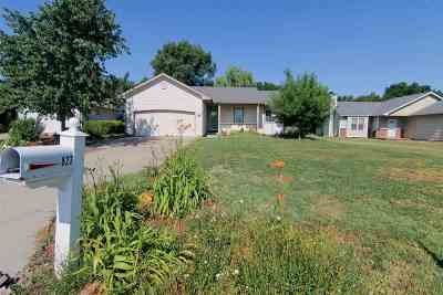 Valley Center Single Family Home For Sale: 827 N Meadow Rd