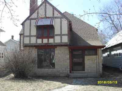 Arkansas City Single Family Home For Sale: 207 N 2nd