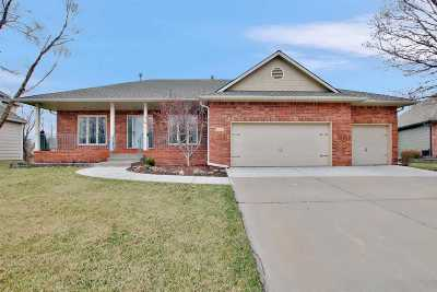 Wichita Single Family Home For Sale: 1233 N Hickory Creek Ct