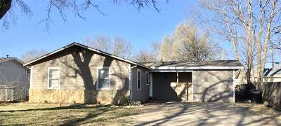 Arkansas City KS Single Family Home For Sale: $64,900