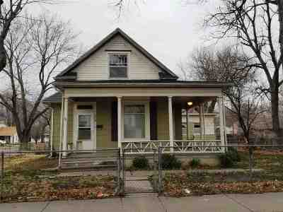 Newton Single Family Home For Sale: 436 W Broadway St