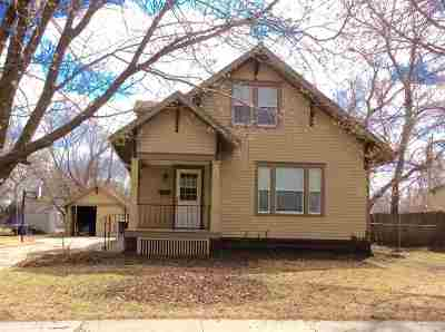 Newton Single Family Home For Sale: 507 E 4th