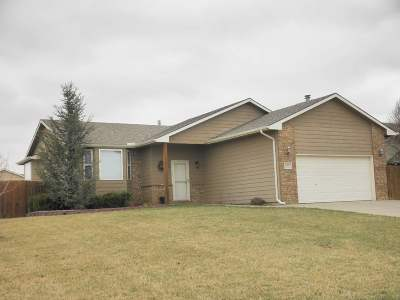 Winfield KS Single Family Home For Sale: $194,500