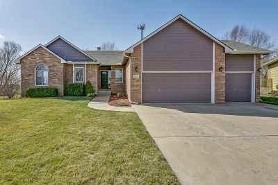 Wichita Single Family Home For Sale: 1015 N Firefly Cir