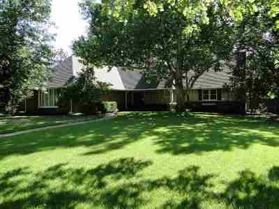 Wichita Single Family Home For Sale: 310 N Saint James St