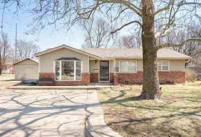 Valley Center Single Family Home For Sale: 446 N Elm