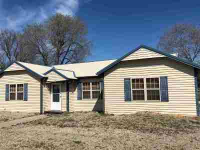 Arkansas City Single Family Home For Sale: 1725 S 1st St