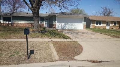 Bel Aire Single Family Home For Sale: 6210 E Woodlow Dr