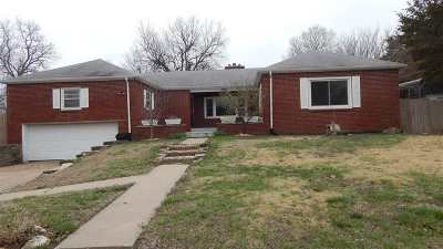 Winfield KS Single Family Home For Sale: $110,000