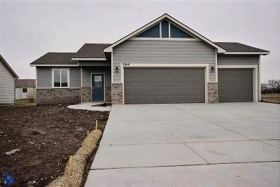 Park City Single Family Home For Sale: 5840 N Forestor Dr