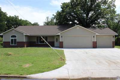 Valley Center KS Single Family Home For Sale: $159,900