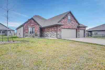 Bel Aire Single Family Home For Sale: 5096 N Yorkshire