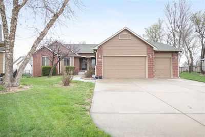 Wichita Single Family Home For Sale: 3106 N Lakecrest Cir
