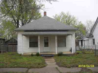 Arkansas City Single Family Home For Sale: 824 S D