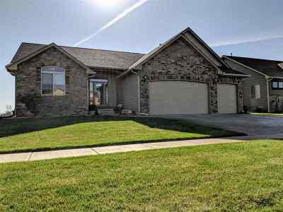 Wichita Single Family Home For Sale: 4318 N Cimarron St