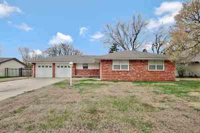 Andover Single Family Home For Sale: 528 N Angle Lane