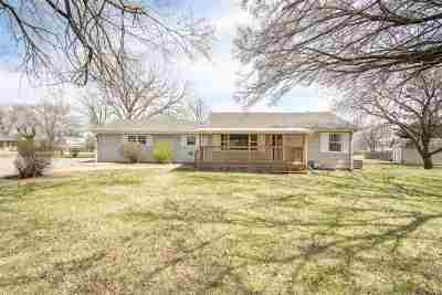 Andover Single Family Home For Sale: 652 N Prosperity Ln