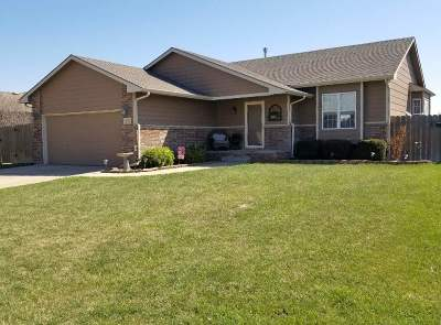 Mulvane Single Family Home For Sale: 1702 N Prairie Run Cir