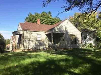 Wichita Single Family Home For Sale: 3028 W Maple St