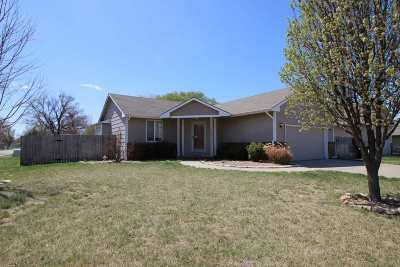 Wichita Single Family Home For Sale: 901 W 50th St S