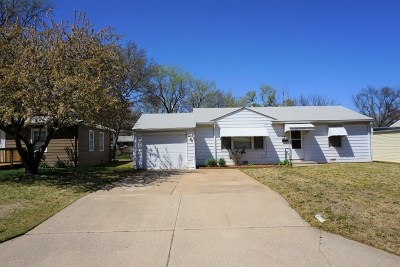 Derby Single Family Home For Sale: 220 E Edgemoor St