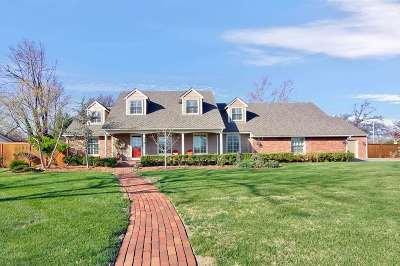 Wichita Single Family Home For Sale: 689 N Broadmoor