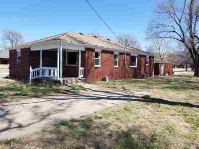 Garden Plain Single Family Home For Sale: 826 N Main St