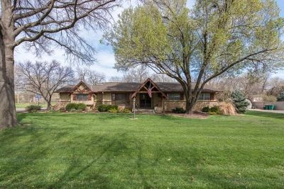 Wichita Single Family Home For Sale: 520 S Hidden Valley Dr