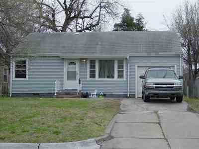Wichita Single Family Home For Sale: 2129 W Irving