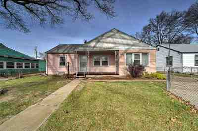 Wichita Single Family Home For Sale: 1839 S Bleckley Dr
